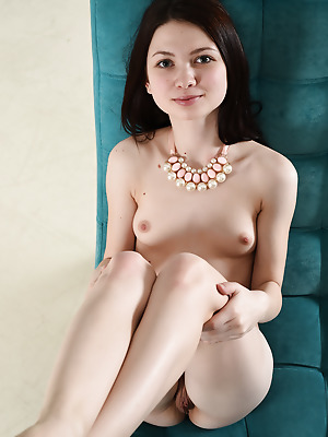 Showy Beauty  Lusia  Beautiful, Older, Pussy